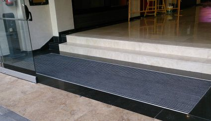 Aluminium doormats, functionality and aesthetics for your company