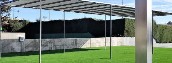 Installation of artificial grass in Madrid: sports center pools of Moratalaz
