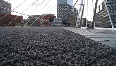 Outdoor anti-slip flooring