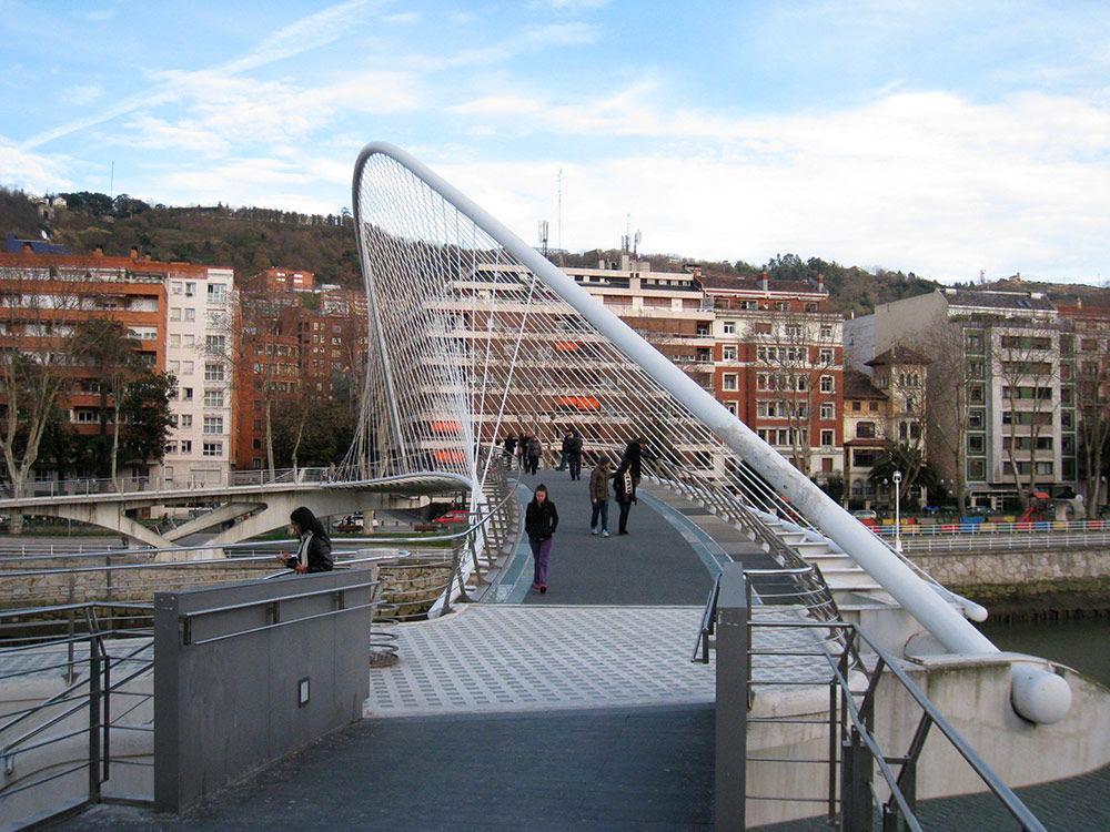 sumigran instala en Bilbao su pavimento antideslizante